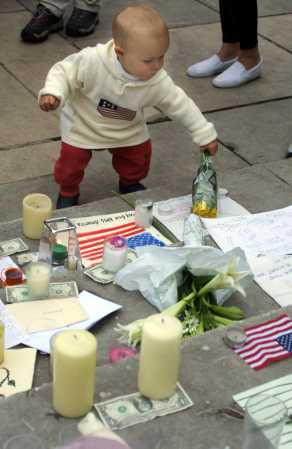 911day Memorial Photographs - Shapelinks Way Of Life - Photo Forty-One